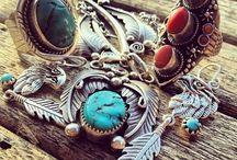 Bijoux / Bijoux, collier, bagues, bracelet, tout pour plaire