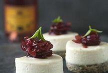 Hapjes borrelhapjes recepten / De lekkerste recepten voor hapjes en borrelhapjes voor feestjes, verjaardagen, Hapjes maken, tapas. Hapjes voor een mooie borrelplank. Koude en warme hapjes. Natuurlijk altijd gecombineerd met een mooie wijn. Wijn en spijs combinaties