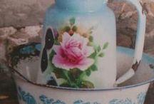 ENAMELWARE / Enamel vintage, enamel decor, enamel chabby chic............