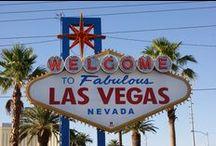 Les Globe-trotters à Las Vegas / Surnommée «Sin City», ville de tous les pêchés, Las Vegas est unique. Cet oasis artificiel au milieu du désert de Mojave, dans l'Etat du Nevada impressionne. Tout se concentre sur le Strip, artère principale de Vegas. Quelques jours suffisent pour visiter les nombreux hôtels à thème, faire du shopping ou s'installer devant une machine à sous dans l'un des immenses casinos.