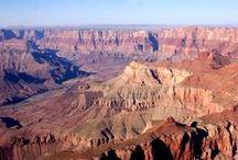 Les Globe-trotters au Grand Canyon / Grandiose ! Le Grand Canyon est considéré comme la septième merveille naturelle du monde. Il offre un spectacle à couper le souffle.