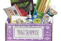 Monthly Subscription Boxes / Awesome subscription boxes that deliver treats, healthy foods, and other fun goodies to your doorstep!