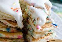 Sweets & Treats / by Kelley Donlan