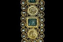 Ancient Jewelry Inspiration / Fascinating old jewelry