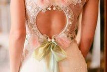 Wedding Gowns / Amazing wedding dresses / by MyHartjieMyLiefie