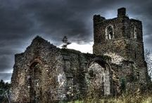 Real Haunted Castles / What good is a castle without a ghost?