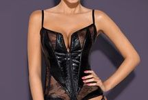 Obsessive - Be aggressive! / Bite me, scratch me… Why not! This lingerie will add some naughtiness to your relationship!
