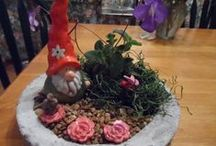 MiniatureGardens Etsy Team / Etsy shops specializing in Nature crafts, miniature gardens, terrariums, dollhouse miniatures, garden decor and accessories. Nature craft suppliers, miniature garden kits and containers. Live plants.