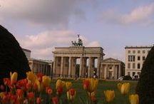 Germania, Berlino / Berlino è una città....giovane ! E' tutta un cantiere edile. E pensare che l'abbiamo visitata nel 2003. Cosa sarà adesso?