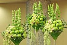 Awesome Arrangements / Creative Ideas for:    Flower-  &  Fruit  Arrangements ,    Imaginative Decorations,   Center Pieces,  Bouquets,  Vases,  Containers and Pots.