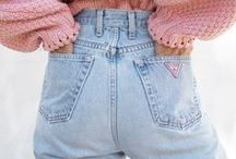 MOM JEANS OUTFITS & HOW TO WEAR / Mom Jeans Outfits from Streetstyle Stars and Fashion Bloggers. Find out how to wear and style Mom Jeans for every occasion!
