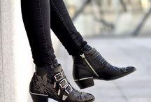CHLOÈ SUSANNA BOOTS OUTFITS / Aktuelle Inspirationen zu Chloé Susanna Boots, Streetstyles, Shopping-Tipps, Outfit-Ideen und mehr. www.whoismocca.com
