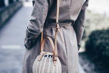 JANE BIRKIN BASKETS / Summerfeeling: Birkin-Baskets sind die neuen IT-Bags! Plötzlich zieren geflochtene Körbchen statt der üblichen Chanel-Handtaschen die Arme der Modefans. Mehr auf www.whoismocca.com