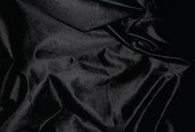 // BLACK // / Black is the new black. Couleur intemporelle, c'est une couleur avec beaucoup de profondeur et de mystère. Total look ou par petites touches, elle apporte charme et élégance.