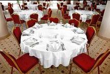 Restaurant & Cafe / • Hilton Sandalye • Banket Masası • Masa Örtüsü • Masa Örtüsü Kapağı • Peçete • Amerikan Servis • Özel Üretim
