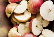 Most & cider / »Most & cider« er en praktisk introduktion til hvordan man let kommer i gang med at lave sin egen most og cider. Hæftet starter med en enkel guide til fremstilling af æblemost, og fortsætter med en opskrift på cider – en gæret æblemost. Råvaren er æbler, suppleret med pærer og bær. Metoden og teknikken er ukompliceret – resultatet smagfuldt.