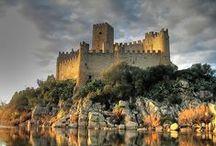 Châteaux du Moyen Age / Les plus beaux châteaux forts d'Europe