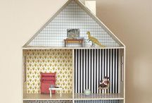 Dollhouses/Miniatures