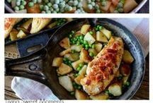 Easy One Pot Meals / Delicious one pot meals that are perfect for easy weeknight dinner recipes. If you would like to join the board please email at tiffany (at) livingsweetmoments (.) com  Collaborators use only high res vertical images and limit to 4 pins per day. Spammers will be removed