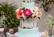 Rustic Cakes / Rustic & Naked Cakes