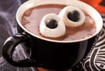 Awesome Halloween Ideas / A great way to share the spooky holiday love!