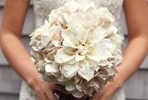 Bouquets Mariée Blanc // White Wedding Bouquet / Une sélection des plus beaux bouquets de mariage blanc. // A selection of the most beautiful white wedding bouquets.