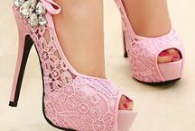 FANCY FEET / For the love of shoes!