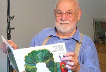 Eric Carle / Το βιβλίο του «Μια κάμπια πολύ πεινασμένη», 40 χρόνια μετά την πρώτη κυκλοφορία του, έχει πουλήσει περισσότερα από 30 εκατομμύρια αντίτυπα σε ολόκληρο τον κόσμο. Ο Eric Carle φτιάχνει μαγικά βιβλία με την τεχνική κολάζ. Δημιουργεί τις εικόνες του με στρώματα μπογιάς και κομμάτια χαρτί. Τα βιβλία του στα ελληνικά κυκλοφορούν από τις Εκδόσεις Καλειδοσκόπιο. Θα τα βρείτε στο: http://www.kaleidoscope.gr/ekdoseis/vivlia-paidika/eric-carle.html