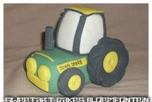 FARM / Cakes, cupcakes, fondant cake & cupcakes toppers. For more information & orders Email SweetArtBfn@gmail.com or call 0712127786