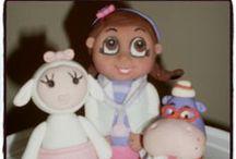Doc McStuffin / Doc McStuffin cakes, cupcakes & fondant decorations.