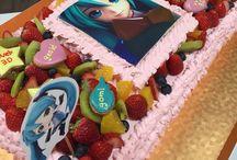 BIG CAKES / 大型ケーキを掲載します