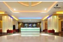 Hotel Decoration Lobby / Differnt Hotels Different Lobbies Decorations  / by Pestana Hotel Group