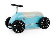 Baghera Speedsters / Les Speedsters Baghera sont des porteurs robustes idéals pour les premières virées de bébé. Équipés d'une véritable direction, d'une carrosserie en métal et de roues en caoutchouc, les trotteurs de la collection des Speedsters sont faciles à manier et silencieux. Avec eux, les futurs pilotes deviendront vite des « as du volant » !