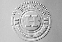 """Logo's en huisstijl / Nieuw logo Drukwerk Doos voor """"producten"""""""