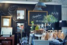 Merchandising & Displays / Visual Merchandising