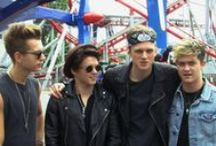 Filming The Vamps at Drayton Manor / #TheVamps officially opened the new Air Race ride at Drayton Manor and CMA Video were commissioned to film the event which included a performance by the band as well as the guys riding on the new ride.  www.cmavideo.co.uk