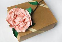 Gift wrap / For Christmas, birthday etc