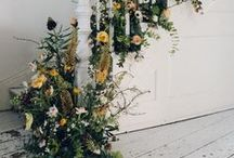 Weddings // Staircase decor