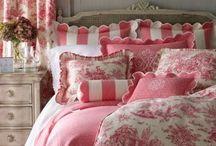 Beautiful Bedrooms / by ShawnCrawford RhondaAbston