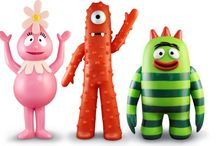 "PPW Toys Yo Gabba Gabba / It's time to party with your favorite Yo Gabba Gabba characters!  Collection includes 12"" Plush, Nesting Doll Set, and Plastic Figures of Muno, Foofa, Brobee, Plex and Toodee! - RETIRED"