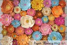 Цветы из  бумаги и ткани своими руками / Цветы из бумаги выполняют, в основном роль декора помещения или декора стола. Как правило, эти предметы очень хрупки, и брать их в руки не рекомендуется. Чего не скажешь о цветах из ткани.