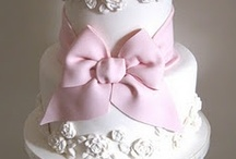 Beautiful CAKES / CUPCAKES  / by Tammy Turner