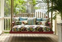 Gardens, terraces and balconies / An eternal love for balconies, terraces and small gardens