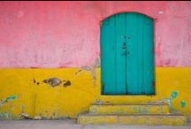 Doors / Mysterious, old, colourful -they all have a story and invite you to step in!