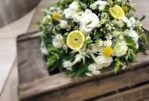 Wildflowers and lemons / Beautiful centerpiece floral arrangement with chamomile, craspedia and lemons. We love summer...don't we???