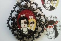 Rabbëats By La Chica Conejo © - Tienda Online / Vintage Jewelry, textile Bags, T-shirts & more* Vista nuestros catálogos en la tienda online:  http://rabbeatsbylachicaconejo.bigcartel.com/