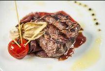 TrickShot Restaurant / Restaurantul nostru este unul cu specific international si raspunde celor mai pretentioase cerinte dar si celor mai rafinate gusturi. Chef Leon este renumit pentru preparatele delicioase si pentru experienta pe care o are in domeniul gastronomic.