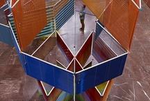 Der Öffentlichkeit - Von den Freunden Haus der Kunst / Since 2012, the central middle hall in Haus der Kunst has served as the venue for DER ÖFFENTLICHKEIT – VON DEN FREUNDEN HAUS DER KUNST, an annually-rotating work by a contemporary artist commissioned by Haus der Kunst.