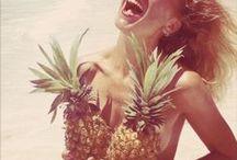 """Collection Karma Kandara / Cette collection découvre le monde en mode vacances et sème ses bijoux aux messages """"happy Life"""" ! Soleil, océan, surf, jungle ..."""