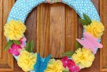 Spring/Easter Ideas / Decorating for spring, decorating for Easter, spring craft ideas, Easter craft ideas, Easter recipes, Spring home tours, Easter tablescapes